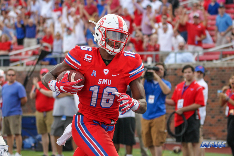 DALLAS, TX - SEPTEMBER 30: Southern Methodist Mustangs wide receiver Courtland Sutton (16) runs into the end zone during the game between SMU and UConn on September 30, 2017, at Gerald J. Ford Stadium in Dallas, TX. (Photo by George Walker/Icon Sportswire)