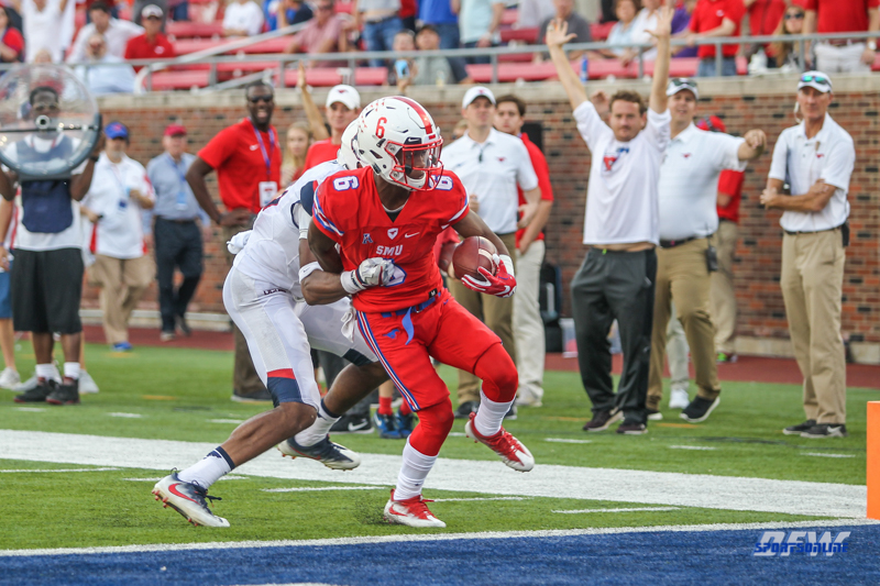 DALLAS, TX - SEPTEMBER 30: Southern Methodist Mustangs running back Braeden West (6) scores a touchdown during the game between SMU and UConn on September 30, 2017, at Gerald J. Ford Stadium in Dallas, TX. (Photo by George Walker/Icon Sportswire)