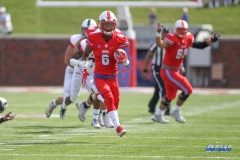 DALLAS, TX - SEPTEMBER 30: Southern Methodist Mustangs running back Braeden West (6) during the game between SMU and UConn on September 30, 2017, at Gerald J. Ford Stadium in Dallas, TX. (Photo by George Walker/DFWsportsonline)