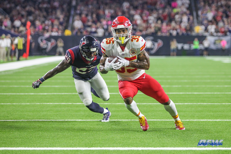 HOUSTON, TX - OCTOBER 08: Kansas City Chiefs running back Charcandrick West (35) during the game between the Houston Texans and Kansas City Chiefs on October 8, 2017, at NRG Stadium in Houston, TX. (Photo by George Walker/DFWsportsonline)