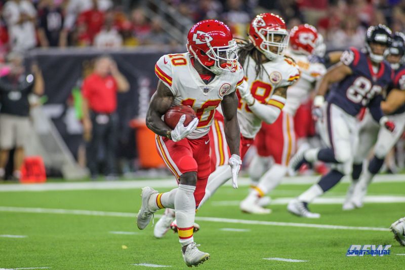 HOUSTON, TX - OCTOBER 08: Kansas City Chiefs wide receiver Tyreek Hill (10) during the game between the Houston Texans and Kansas City Chiefs on October 8, 2017, at NRG Stadium in Houston, TX. (Photo by George Walker/DFWsportsonline)