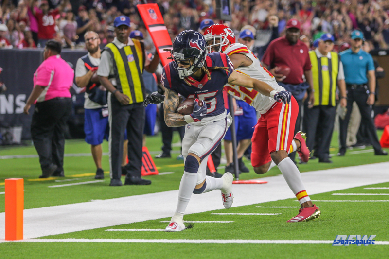 HOUSTON, TX - OCTOBER 08: Houston Texans wide receiver Will Fuller (15) scores a touchdown during the game between the Houston Texans and Kansas City Chiefs on October 8, 2017, at NRG Stadium in Houston, TX. (Photo by George Walker/DFWsportsonline)