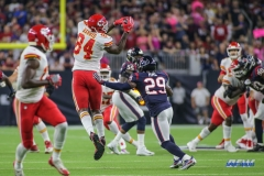 HOUSTON, TX - OCTOBER 08: Kansas City Chiefs tight end Demetrius Harris (84) makes a catch during the game between the Houston Texans and Kansas City Chiefs on October 8, 2017, at NRG Stadium in Houston, TX. (Photo by George Walker/DFWsportsonline)