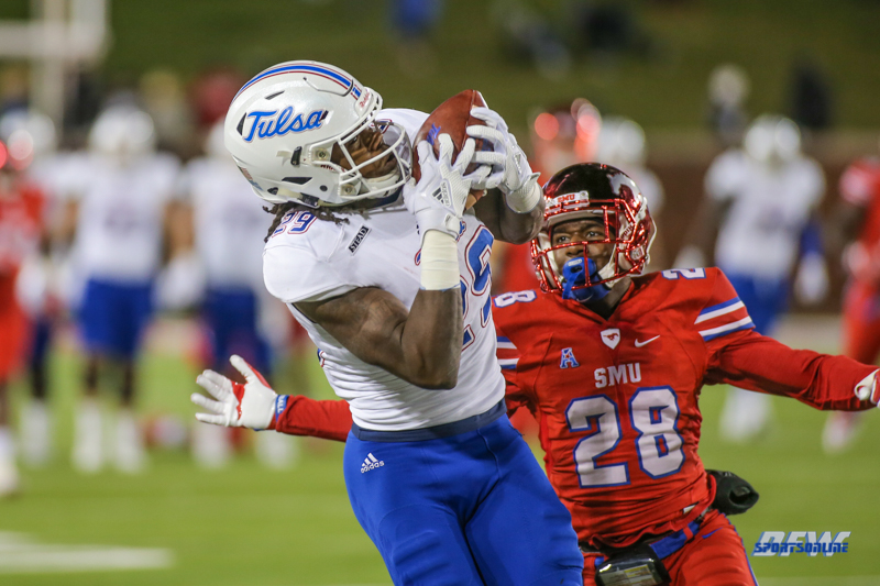 DALLAS, TX - OCTOBER 27: Tulsa Golden Hurricane wide receiver Justin Hobbs (29) makes a catch during the game between SMU and Tulsa on October 27, 2017, at Gerald J. Ford Stadium in Dallas, TX. (Photo by George Walker/Icon Sportswire)