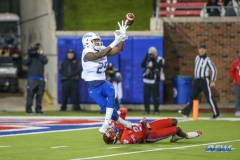 DALLAS, TX - OCTOBER 27: Tulsa Golden Hurricane wide receiver Justin Hobbs (29) fights to catch a pass during the game between SMU and Tulsa on October 27, 2017, at Gerald J. Ford Stadium in Dallas, TX. (Photo by George Walker/Icon Sportswire)