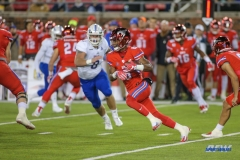 DALLAS, TX - OCTOBER 27: Southern Methodist Mustangs running back Braeden West (6) runs for a touchdown during the game between SMU and Tulsa on October 27, 2017, at Gerald J. Ford Stadium in Dallas, TX. (Photo by George Walker/Icon Sportswire)