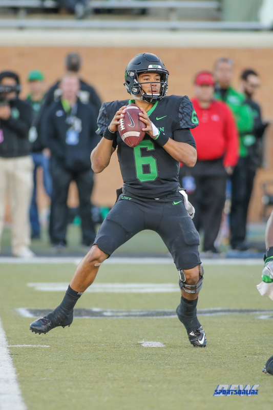 DENTON, TX - OCTOBER 28: North Texas Mean Green quarterback Mason Fine (6) during the game between the North Texas Mean Green and Old Dominion Monarchs on October 28, 2017, at Apogee Stadium in Denton, Texas. (Photo by George Walker/DFWsportsonline)