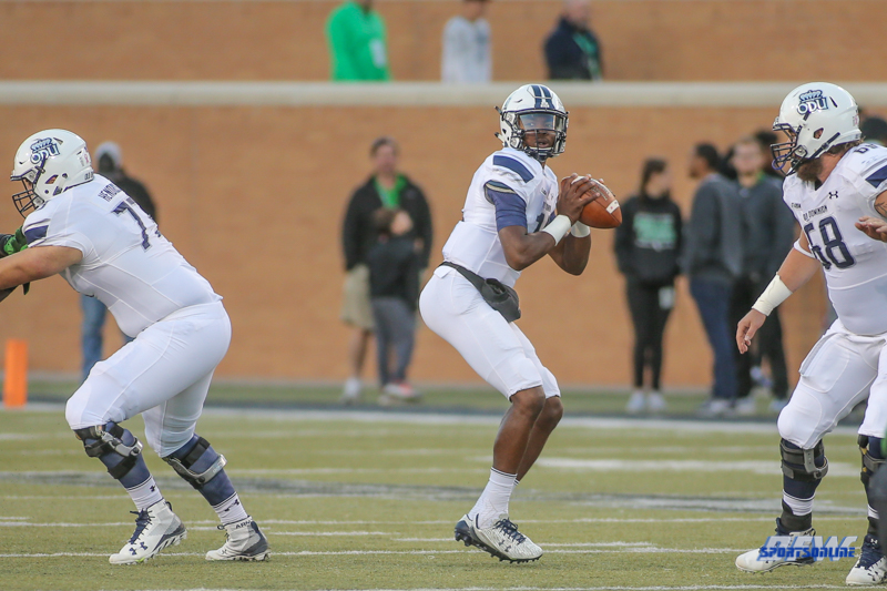 DENTON, TX - OCTOBER 28: Old Dominion Monarchs quarterback Steven Williams (14) during the game between the North Texas Mean Green and Old Dominion Monarchs on October 28, 2017, at Apogee Stadium in Denton, Texas. (Photo by George Walker/DFWsportsonline)