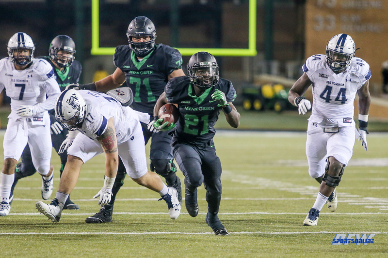DENTON, TX - OCTOBER 28: North Texas Mean Green running back Nic Smith (21) during the game between the North Texas Mean Green and Old Dominion Monarchs on October 28, 2017, at Apogee Stadium in Denton, Texas. (Photo by George Walker/DFWsportsonline)
