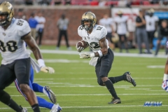 DALLAS, TX - NOVEMBER 04: UCF Knights running back Taj McGowan (12) runs to the outside during the game between SMU and UCF on November 4, 2017, at Gerald J. Ford Stadium in Dallas, TX. (Photo by George Walker/Icon Sportswire)