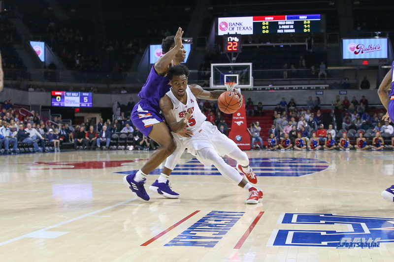 DALLAS, TX - NOVEMBER 08: Southern Methodist Mustangs forward Isiaha Mike (15) drives to the basket during the game between SMU and Northwestern State on November 8, 2018 at Moody Coliseum in Dallas, TX. (Photo by George Walker/DFWsportsonline)