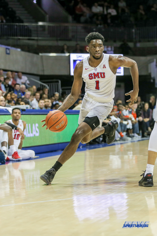 UNIVERSITY PARK, TX - NOVEMBER 28: Southern Methodist Mustangs guard Shake Milton (1) goes to the basket during the game between SMU and UT Rio Grande Valley on November 28, 2017 at Moody Coliseum in Dallas, TX. (Photo by George Walker/Icon Sportswire)