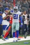 """ARLINGTON, TX - DECEMBER 23: Dallas Cowboys Running Back Ezekiel Elliott (21) gestures """"Feed me"""" during the game between the Tampa Bay Buccaneers and Dallas Cowboys on December 23, 2018 at AT&T Stadium in Arlington, TX. (Photo by George Walker/Icon Sportswire)"""