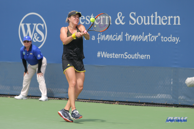 CINCINNATI, OH - AUGUST 14: Anastasia Pavlyuchenkova (RUS) hits a backhand during the Western & Southern Open at the Lindner Family Tennis Center in Mason, Ohio on August 14, 2017. (Photo by George Walker/Icon Sportswire)