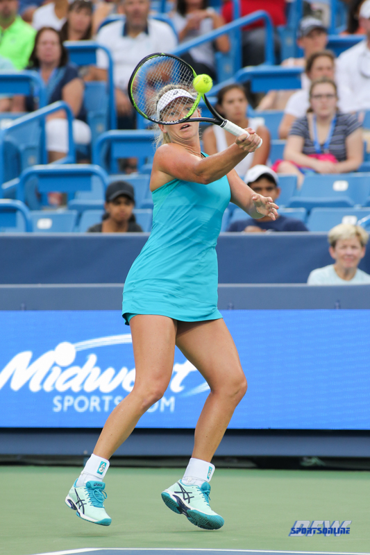 CINCINNATI, OH - AUGUST 14: CoCo Vandeweghe (USA) hits a forehand during the Western & Southern Open at the Lindner Family Tennis Center in Mason, Ohio on August 14, 2017. (Photo by George Walker/Icon Sportswire)