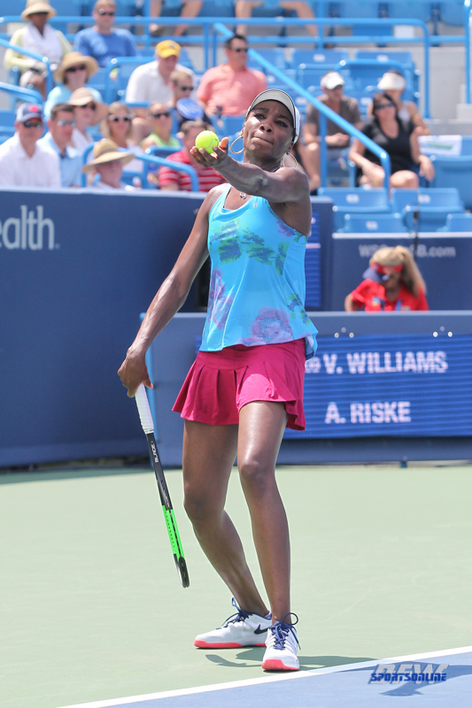 CINCINNATI, OH - AUGUST 15: Venus Williams (USA) serves during the Western & Southern Open at the Lindner Family Tennis Center in Mason, Ohio on August 15, 2017. (Photo by George Walker/Icon Sportswire)