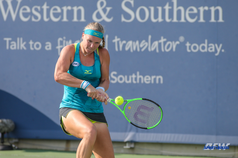 CINCINNATI, OH - AUGUST 15: Kiki Bertens (NED) hits a backhand during the Western & Southern Open at the Lindner Family Tennis Center in Mason, Ohio on August 15, 2017. (Photo by George Walker/Icon Sportswire)