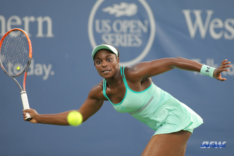CINCINNATI, OH - AUGUST 15: Sloane Stephens (USA) stretches for a forehand during the Western & Southern Open at the Lindner Family Tennis Center in Mason, Ohio on August 15, 2017. (Photo by George Walker/Icon Sportswire)