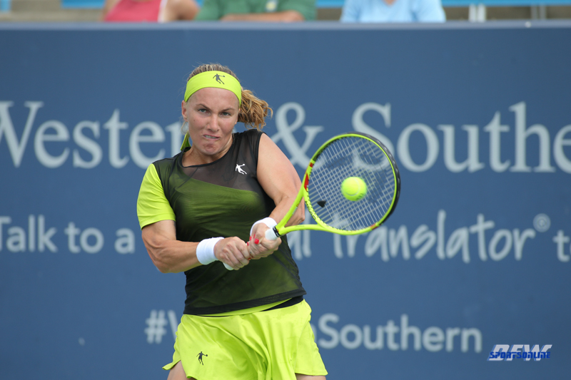 CINCINNATI, OH - AUGUST 16: Svetlana Kuznetsova (RUS) hits a backhand during the Western & Southern Open at the Lindner Family Tennis Center in Mason, Ohio on August 16, 2017.(Photo by George Walker/Icon Sportswire)