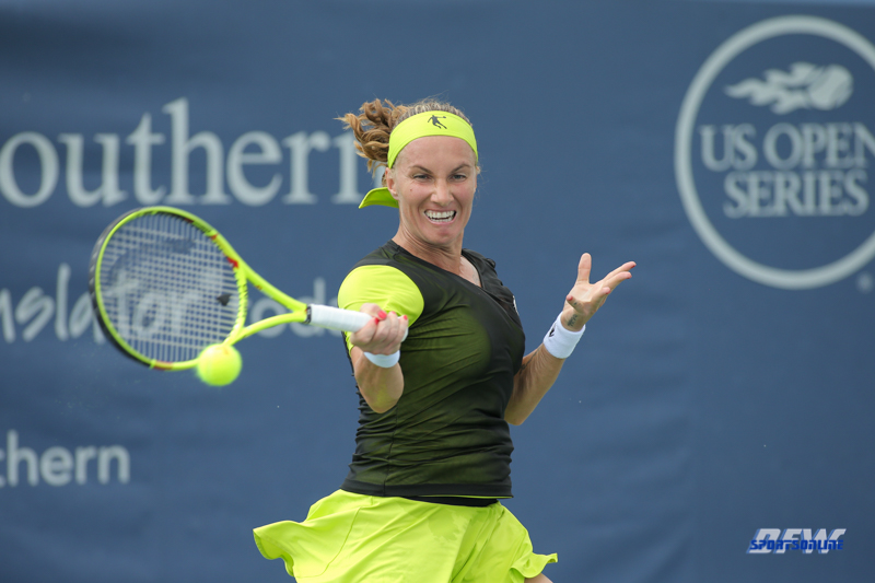 CINCINNATI, OH - AUGUST 16: Svetlana Kuznetsova (RUS) hits a forehand during the Western & Southern Open at the Lindner Family Tennis Center in Mason, Ohio on August 16, 2017.(Photo by George Walker/Icon Sportswire)