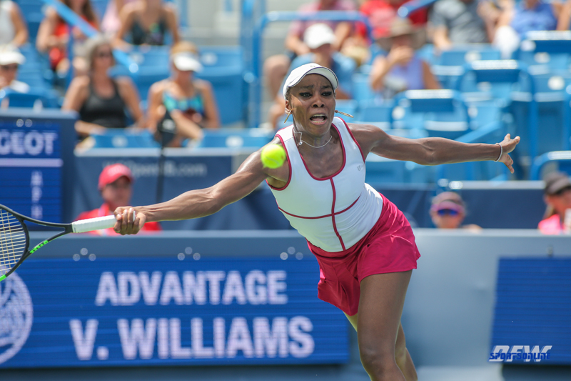 CINCINNATI, OH - AUGUST 16: Venus Williams (USA) lunges for a forehand during the Western & Southern Open at the Lindner Family Tennis Center in Mason, Ohio on August 16, 2017.(Photo by George Walker/Icon Sportswire)